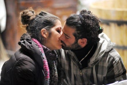 GF9 - Alberto Scrivano e Vanessa Ravizza, bacio