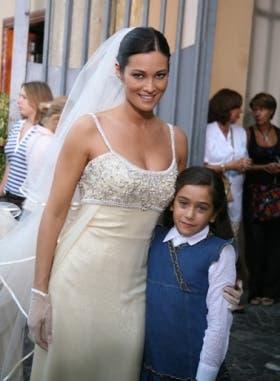 So Che Ritornerai (Manuela Arcuri e Giulia Bellu)