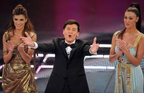 Festival di Sanremo 2011 - Gianni Morandi, Elisabetta Canalis e Belen Rodriguez nella quarta puntata (via ANSA)
