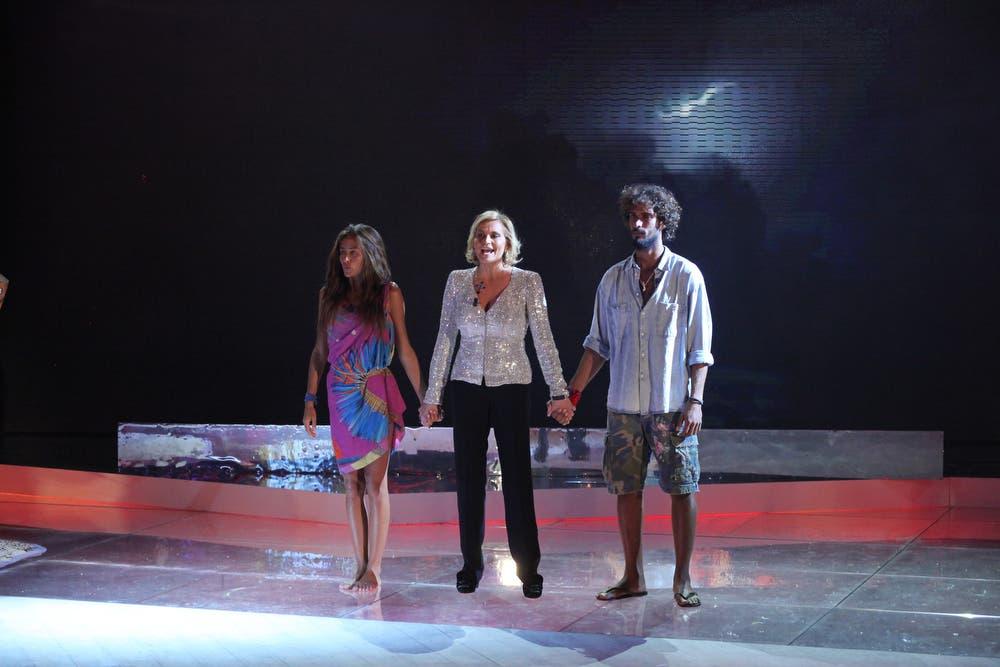 Isola dei Famosi 8 - Simona Ventura con i due finalisti Giorgia Palmas e Thyago Alves