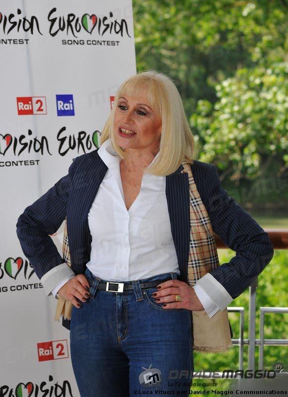 Eurovision Song Contest 2011: Raffaella Carrà 11