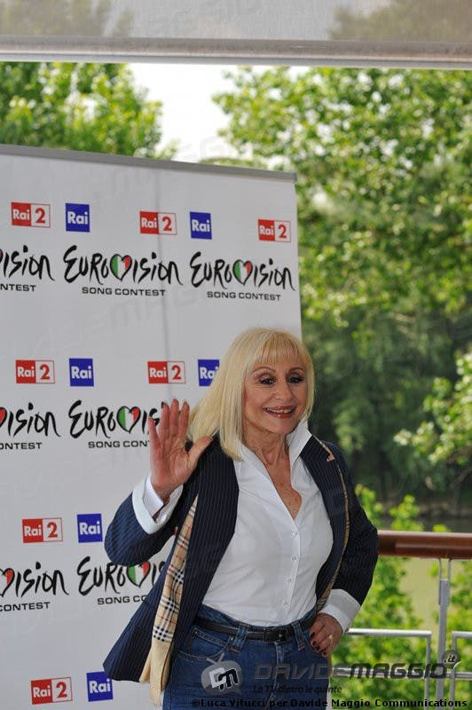 Eurovision Song Contest 2011: Raffaella Carrà 10