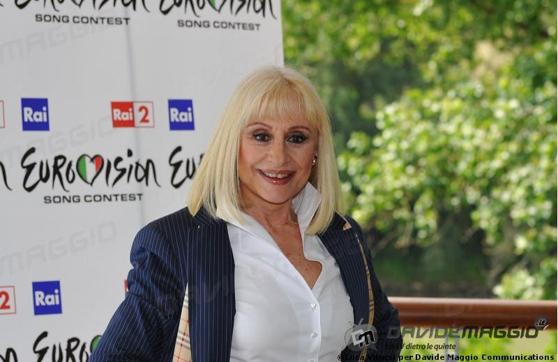 Eurovision Song Contest 2011: Raffaella Carrà 9