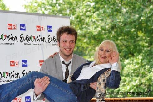 Eurovision Song Contest 2011: Raphael Gualazzi e Raffaella Carrà 2