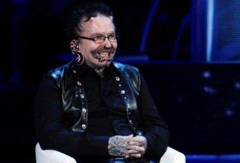 Rolf Buchholz - uomo con più piercing sul corpo al mondo