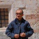 Pippo (Francesco Scali) sul set di Don Matteo 9 a Spoleto (foto: Corriere dell'Umbria)