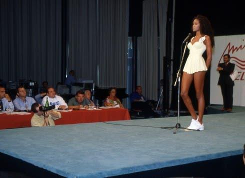 Enrico Mentana giurato a Miss Italia 1996