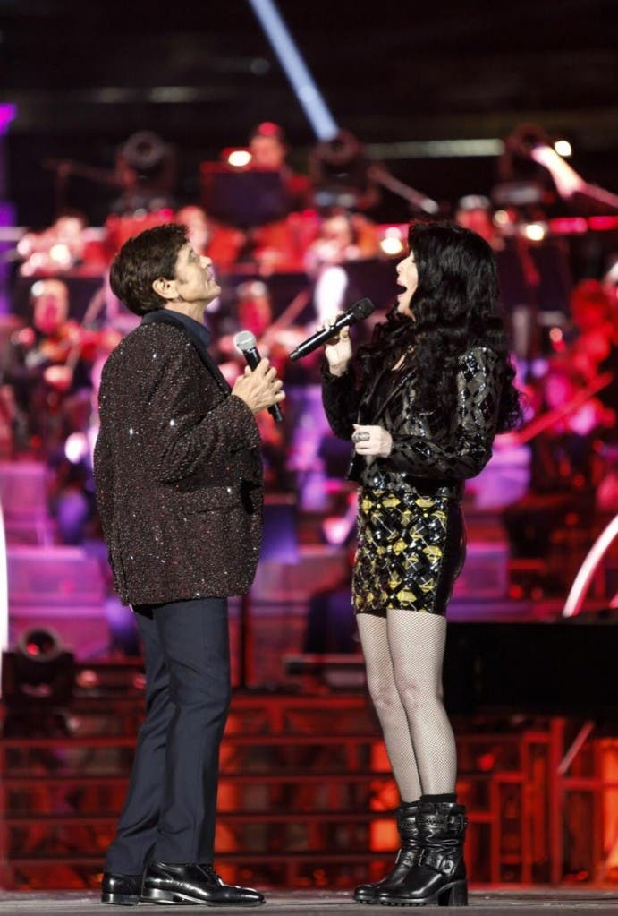 Gianni Morandi live in Arena - Cher (da QuiMediaset)