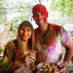 NEW DELHI, INDIA: David and Simmi  pose with the pakoras.(Photo Credit: Rockhead Entertainment)