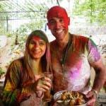 NEW DELHI, INDIA: David and Simmi  pose with the pakoras.(Photo Credit: Rockhead Entertainment)