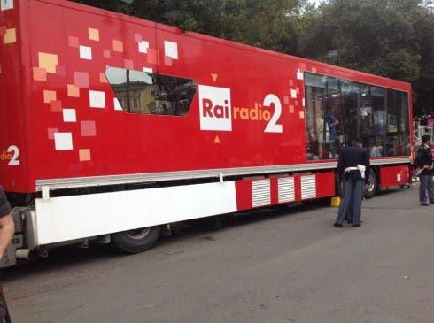 Il pullman di Radio 2 a Sanremo 2014
