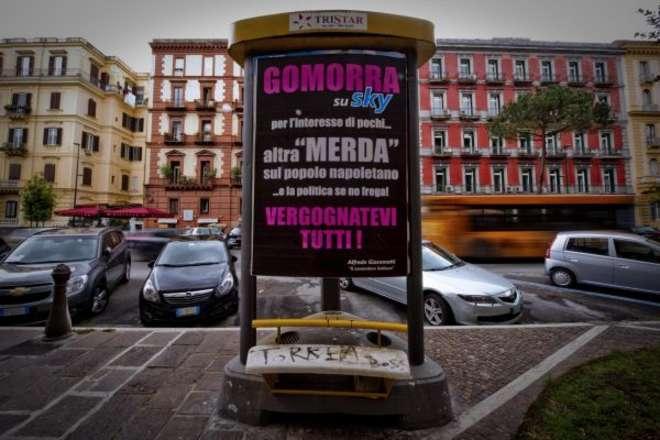 I manifesti a Napoli contro Gomorra, la serie di Sky