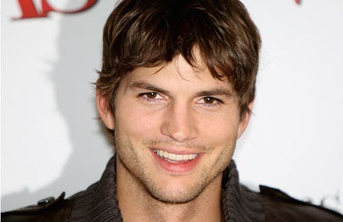 Ashton Kutcher in Due uomini e mezzo