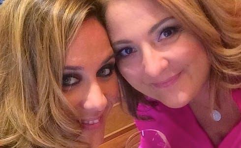 Valentina Scarnecchia, figlia di Beppe Grillo, con Tiziana Stefanelli