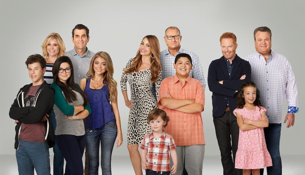 fox comedy ecco le prime tv canale si inizia con i miei peggiori amici modern family fox