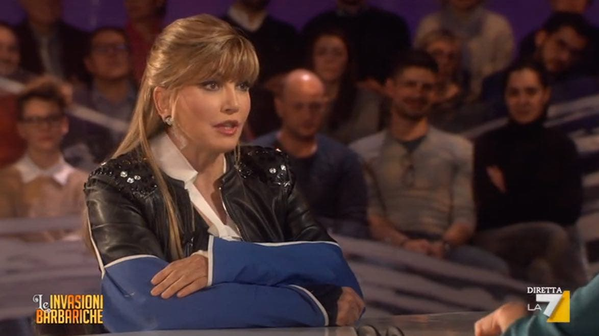 Milly Carlucci - Invasioni Barbariche
