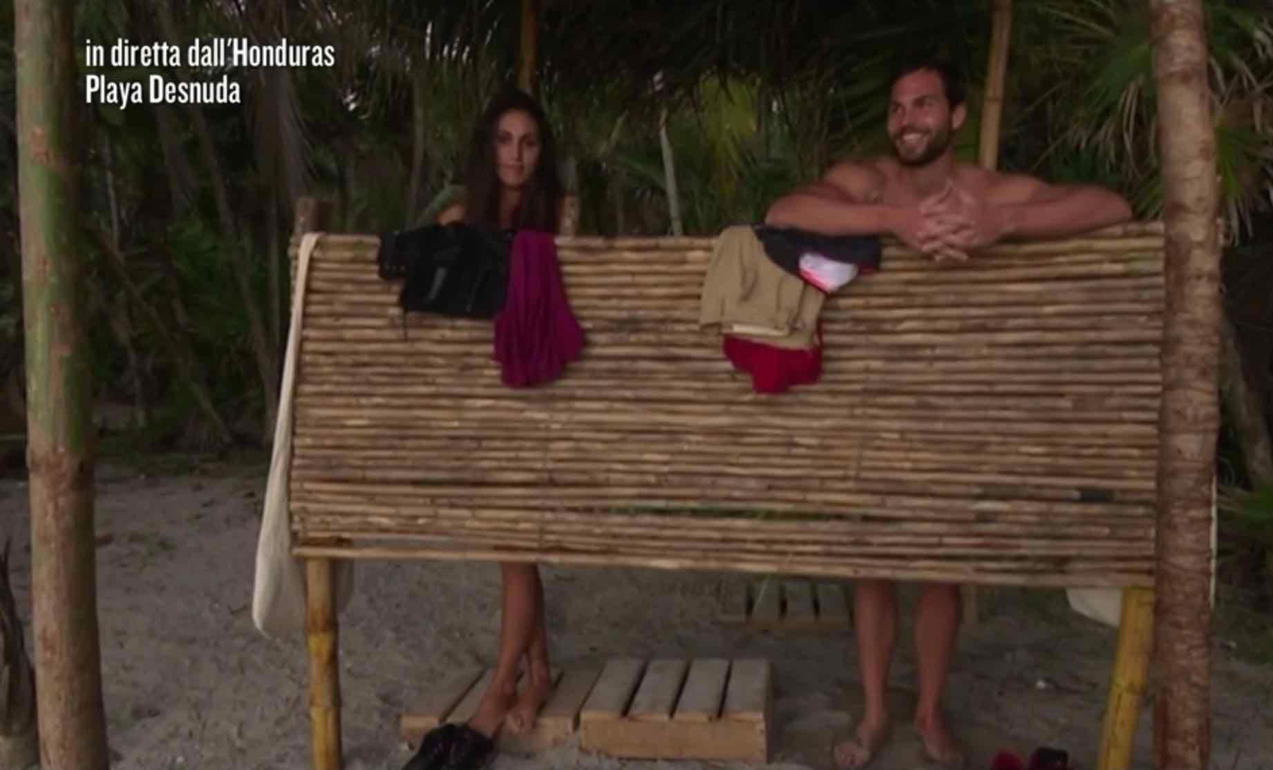 Cecilia Rodriguez desnuda - Isola dei Famosi 2015