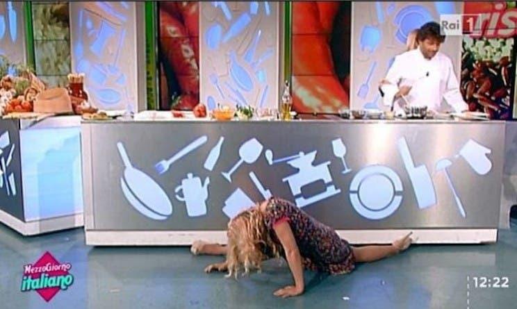 Lisa Fusco - rovinosa spaccata a Mezzogiorno Italiano