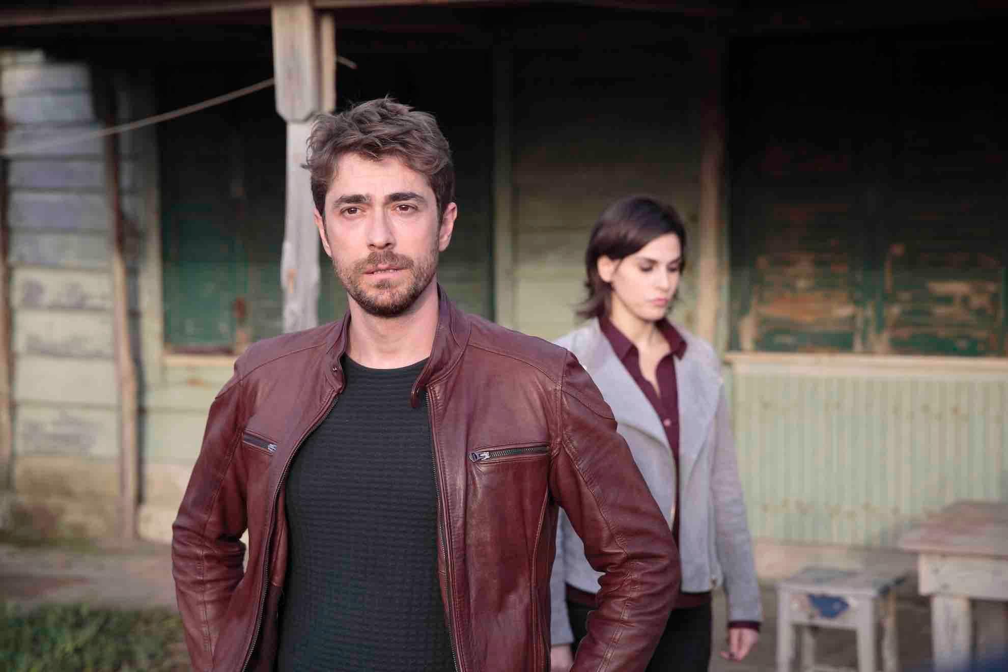 Squadra Antimafia 7 - Giovanni Scifoni (Davide Tempofosco) e Daniela Marra (Anna Cantalupo)