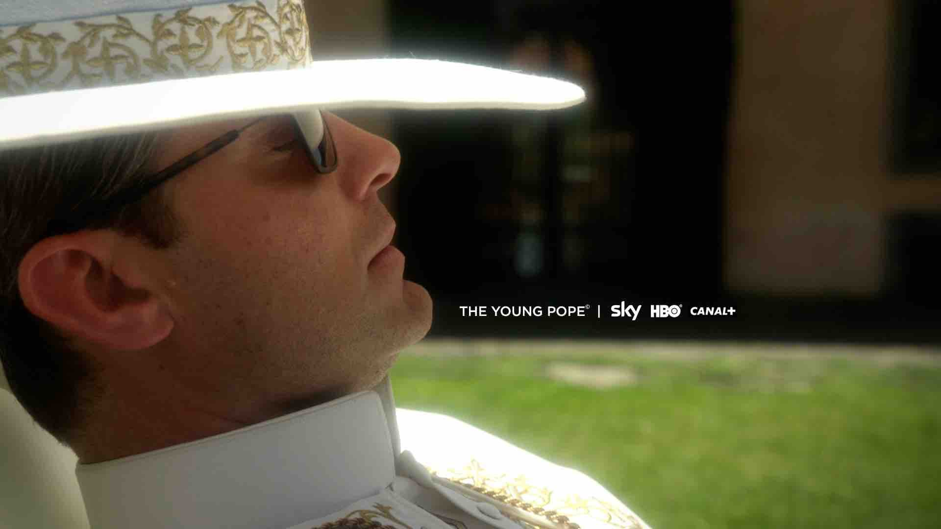 THE YOUNG POPE - prima immagine © Sky, HBO, Wildside 2015