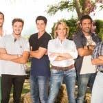 Simona Ventura con i cinque contadini