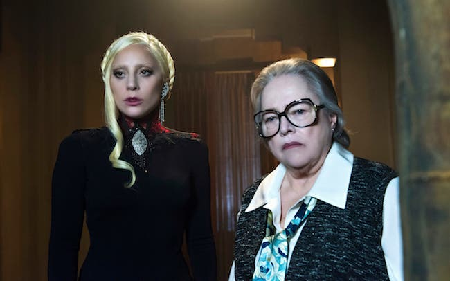 Lady Gaga e Kathy Bates