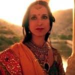 La ragazza con lo smeraldo indiano