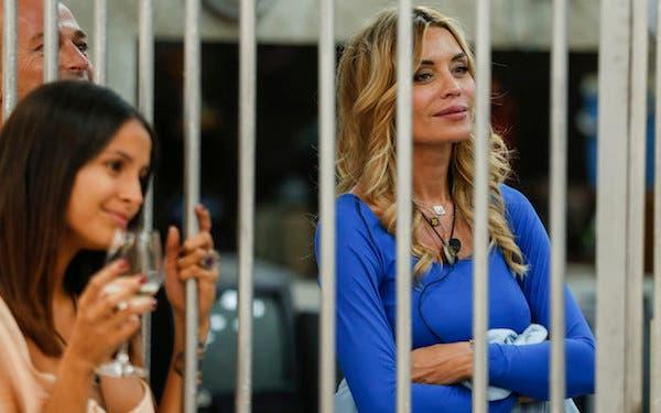 GRANDE FRATELLO VIP  GIORNO 4  VALERIA MARINI VUOLE ...