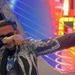 Tale e Quale show 2016 - Enrico Papi imita Fabio Rovazzi