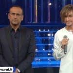 Carlo Conti e Leonardo Fiaschi (che imita Gianna Nannini)