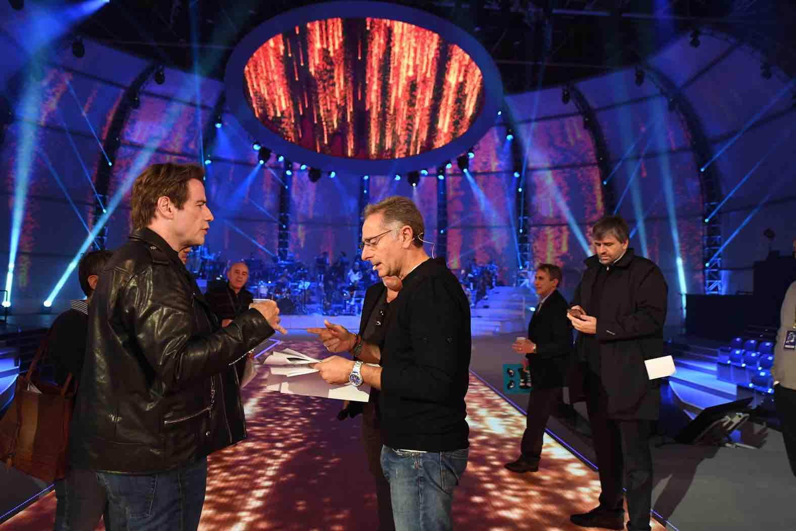 John Travolta e Paolo Bonolis - Music