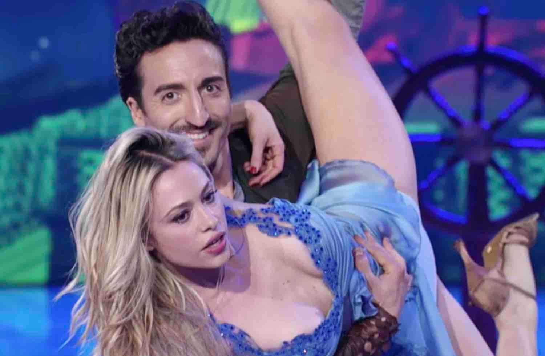 Martina Stella - Samuel Peron - Ballando con le Stelle 2017