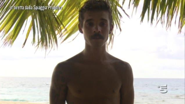 Moreno sull'Isola dei Primitivi