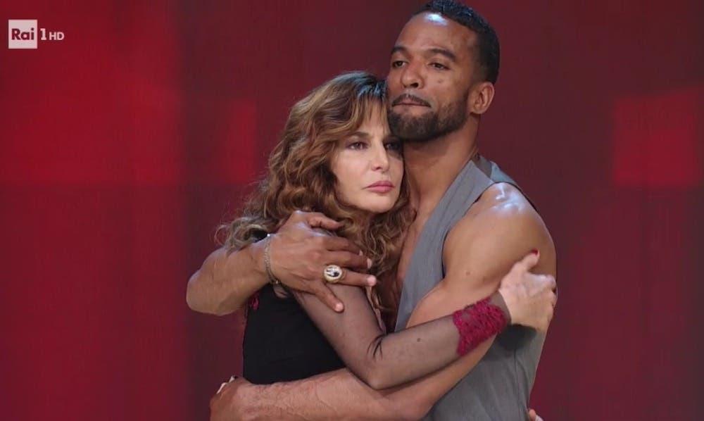 Ballando con le Stelle 2017 - Giuliana De Sio e Maykel Fonts