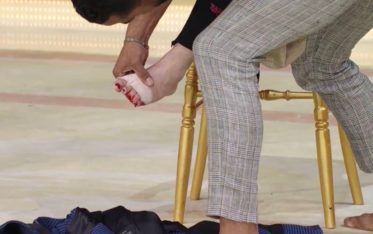 Ballando con le Stelle - Giuliana De Sio si taglia un piede