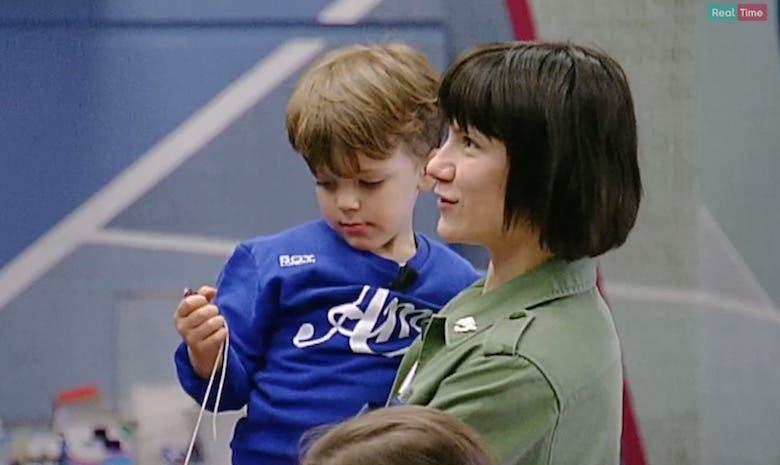 Amici, Elisa e il figlio