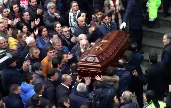 Il Boss Delle Cerimonie Quando La Morte Diventa Uno Show