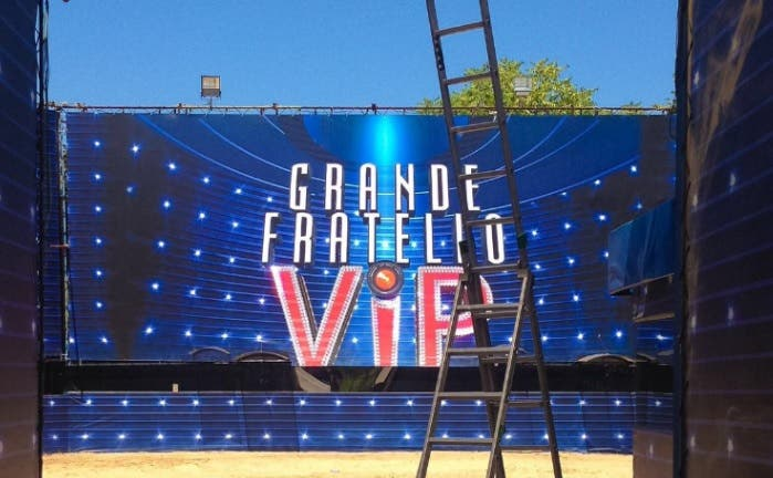 Grande fratello vip 2017 concorrenza rai 1 fiction for Arredamento grande fratello vip 2017