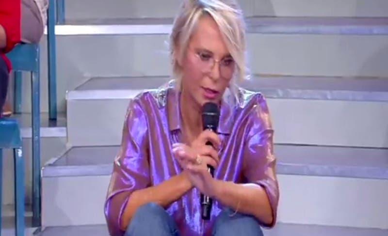 Maria De Filippi in diretta streaming con Uomini e Donne