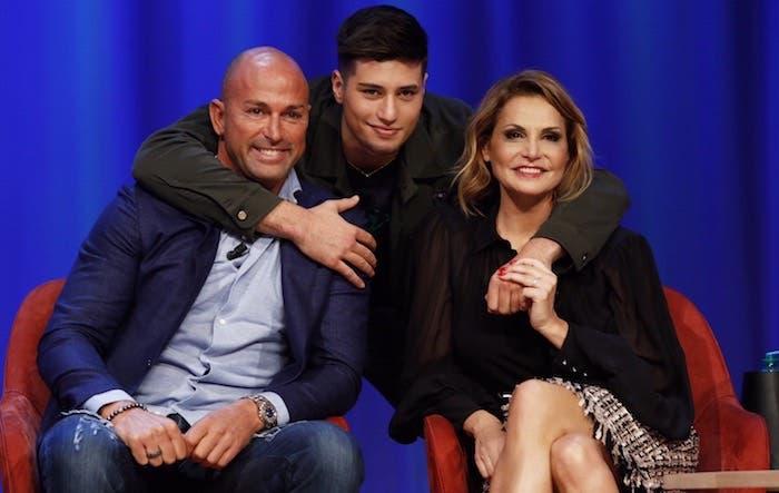 Maurizio Costanzo Show: Stefano e Niccolò Bettarini, Simona Ventura