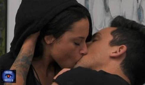 GF 15 - Bacio Matteo e Alessia