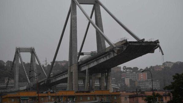 Crollo del ponte di Genova |  anche Mediaset sospende gli spot  Funerali in diretta su