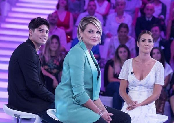 Simona Ventura e Niccolò Bettarini a Verissimo