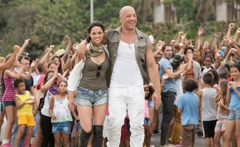 Michelle Rodriguez e Vin Diesel in Fast & Furious 8
