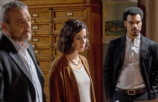 Nero a Metà - Claudia Amendola, Rosa Diletta Rossi e Miguel Gobbo Diaz