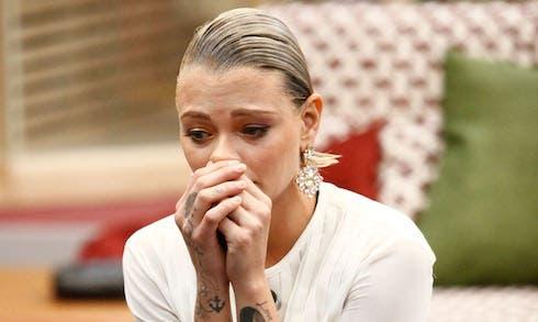 Grande Fratello Vip 2018, Giulia Provvedi di nuovo in lacrim