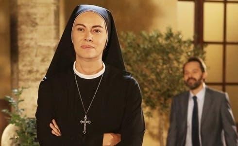 Elena Sofia Ricci in Che Dio ci aiuti 5