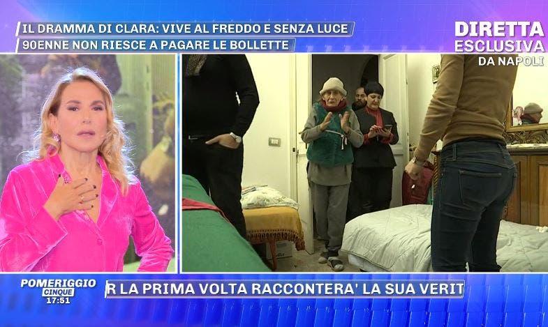 Pomeriggio Cinque: la 90enne Clara portata via dalle telecam