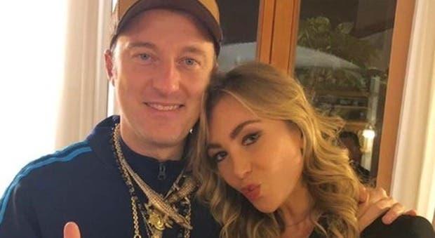 Il selfie di Francesco Facchinetti e Laura Cremaschi