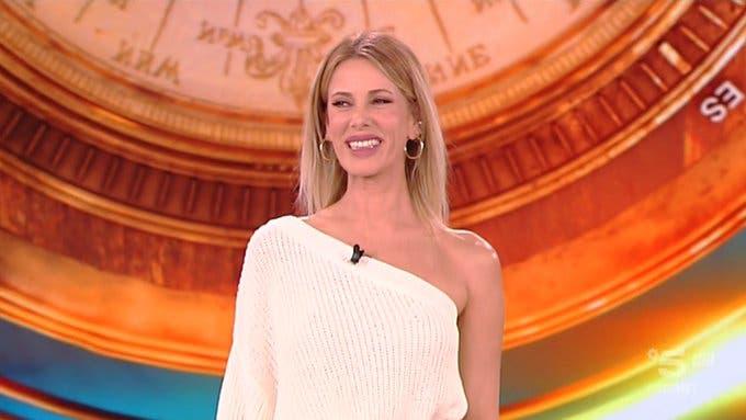 53ec2a50c14 Alessia Marcuzzi - Terza puntata Isola dei Famosi 2019